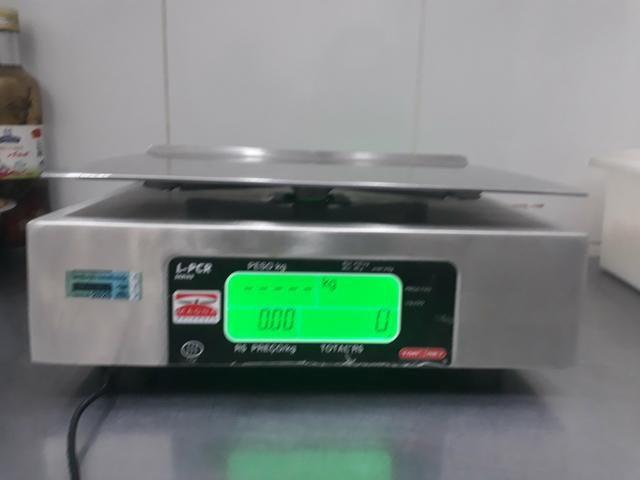 Balança Eletrônica 40kg Inox Magna Com Bateria 13360 - Foto 3