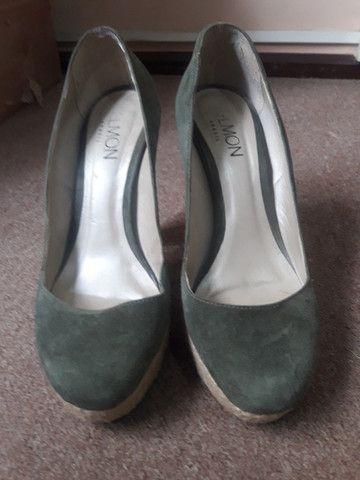Sapato de nobuck