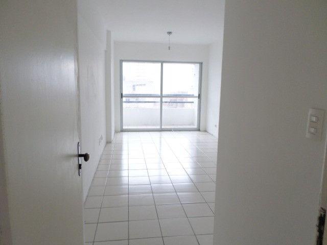 AL23 Apartamento 2 Quartos, Varanda, 2 Wc, 1 Vaga, 60 m², Boa Viagem Próx Aeroporto e Shop