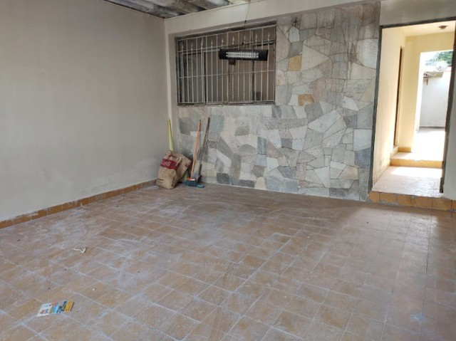 Casa em São Bernardo , 3 dormitórios ,2 banheiros, 2 vagas de garagem. - Foto 3