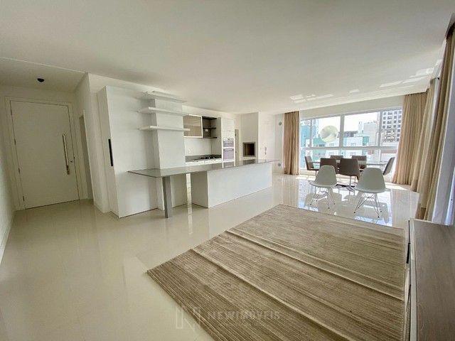 Apartamento Semi-Mobiliado 3 Suítes e 3 Vagas em Balneário Camboriú