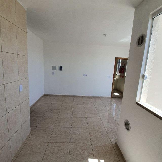Apartamento novo 2º andar 2 quartos perto da praia em Barra Velha - Foto 16