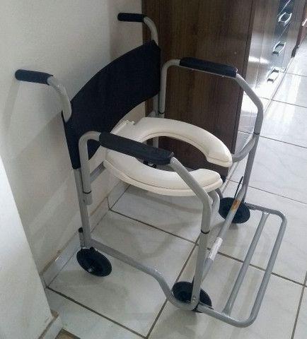 Vendo Cadeira de Banho Nova  - Foto 2