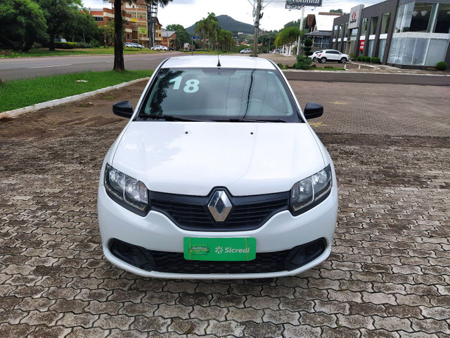 Renault Logan Authentique 1.0 12V - Foto 2