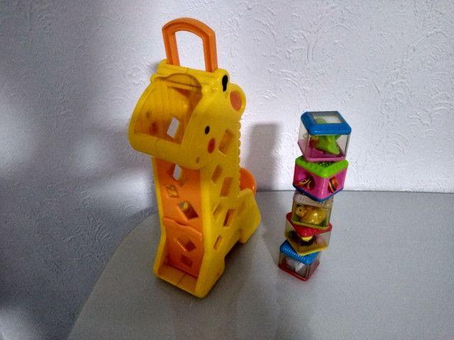 Girafa Peek a Block's Fisher Price - Foto 2