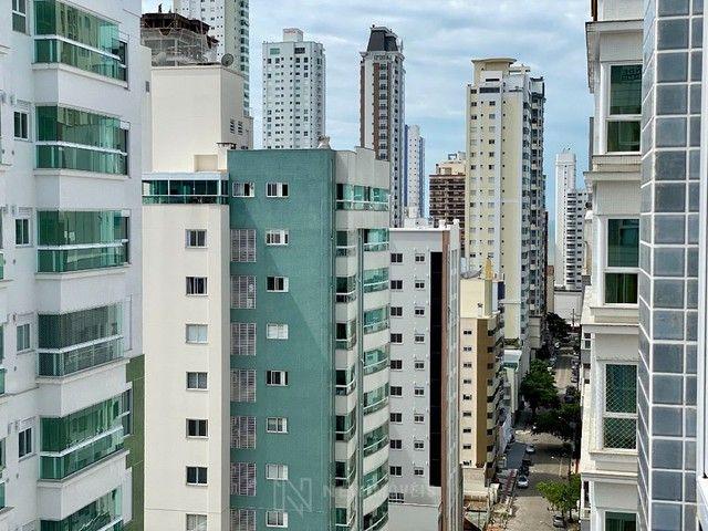 Apartamento Semi-Mobiliado 3 Suítes e 3 Vagas em Balneário Camboriú - Foto 13