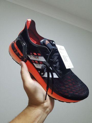 Tênis Adidas ultraboost PB - tam 36, 39 e 45 - Foto 2