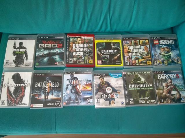 Vendo PS3 muito novo COM 12 jogos originais e 3 controles!