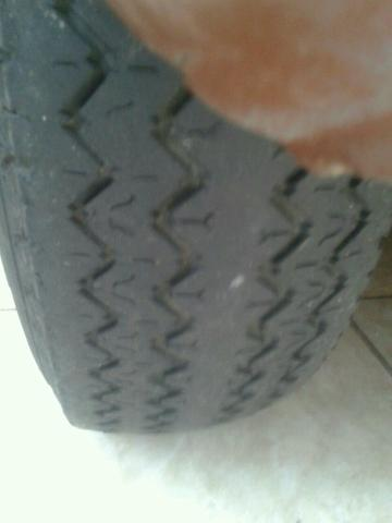 Rodas de brasilia originais com pneus semi novos