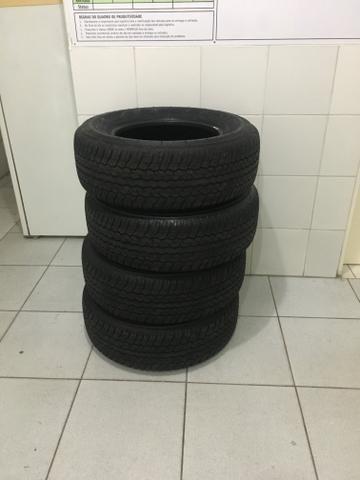 Pneu para Hilux aro 17 265/65 Dunlop