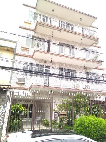 Apartamento com Varanda, 2 quartos, Dep. Completa, garagem na Vila de Penha