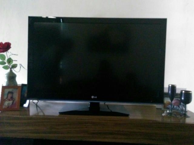 Vendo uma TV de 42 polegadas LCD
