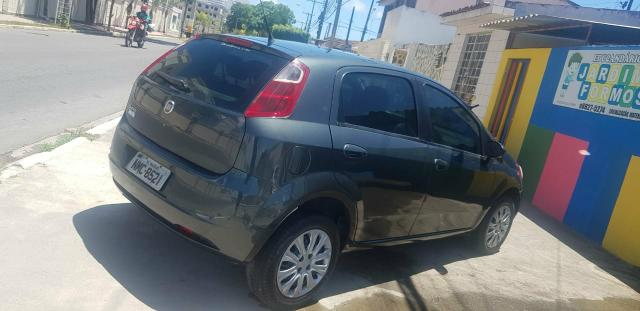 Fiat Punto 1.4 Ano 2010 - Foto 12