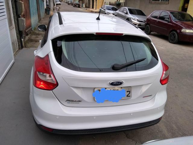 Vendo Ford Focus Hatch Modelo 14 - Foto 13
