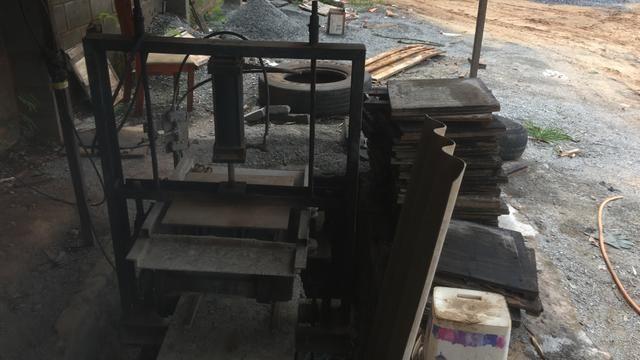Venda de máquina de fazer bloco e canaleta