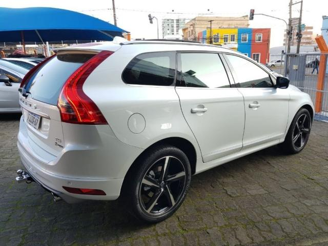 Volvo Xc60 2.0 TURBO R-DESIGN 4P - Foto 4