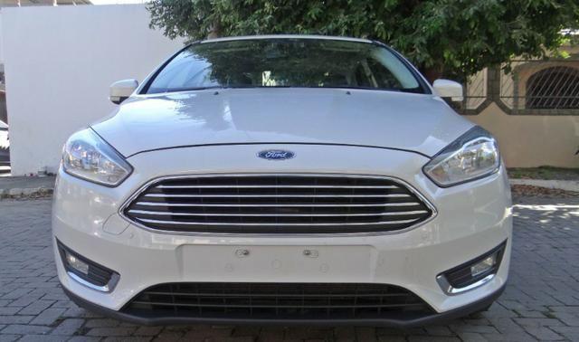 Ford Focus Titanium C/ Teto Solar 2.0. Branco 2016/17