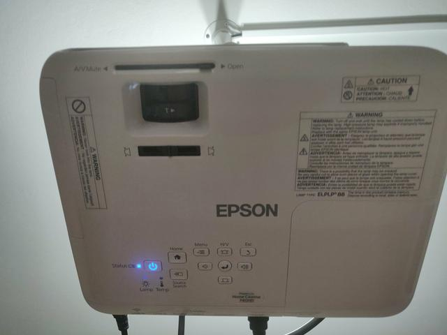 Projetor Epson 740 HD + Telão
