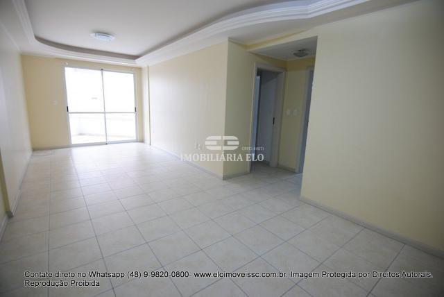 Apartamento no Bairro Estreito com 02 vagas - Foto 2
