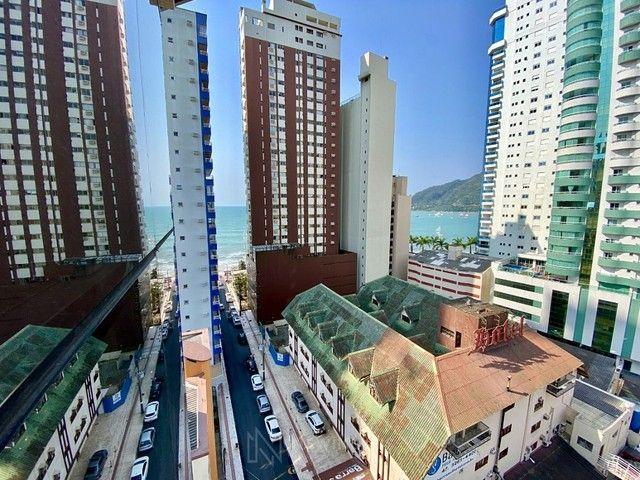 Apartamento na Quadra Mar em Balneário Camboriú - Foto 11
