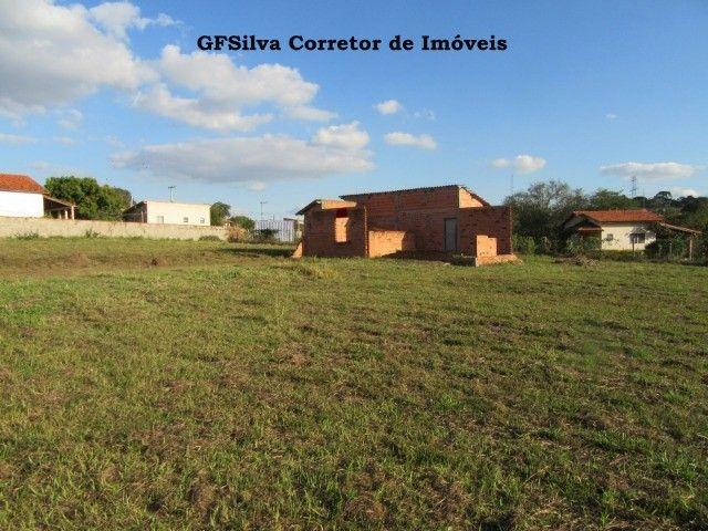 Terreno 1.000 m2 com construção água lúz internet Escritura Ref. 116 Silva Corretor