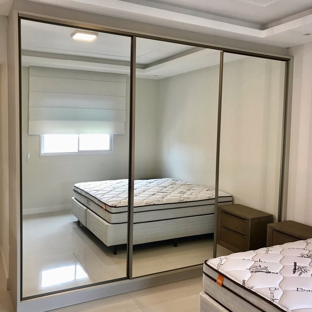Apartamento mobiliado com 4 suítes na Meia Praia Itapema - SC. - Foto 12