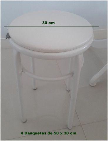 Mesa com banquetas - Foto 3