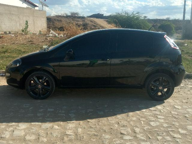 Punto 2014 Attractive 1.4 Preto (O mais novo do Brasil)