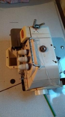 Máquina de Costura - Overlock Industrial