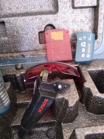 Nível a laser Rotativo Profissional BOSCH GRL250HV - Foto 5