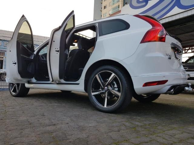 Volvo Xc60 2.0 TURBO R-DESIGN 4P - Foto 6