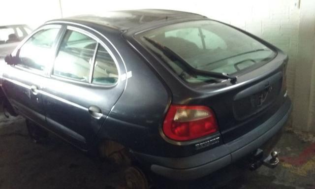 Sucata de Renault Megane RT 1.6 16v 2001 para retirada de peças - Foto 3