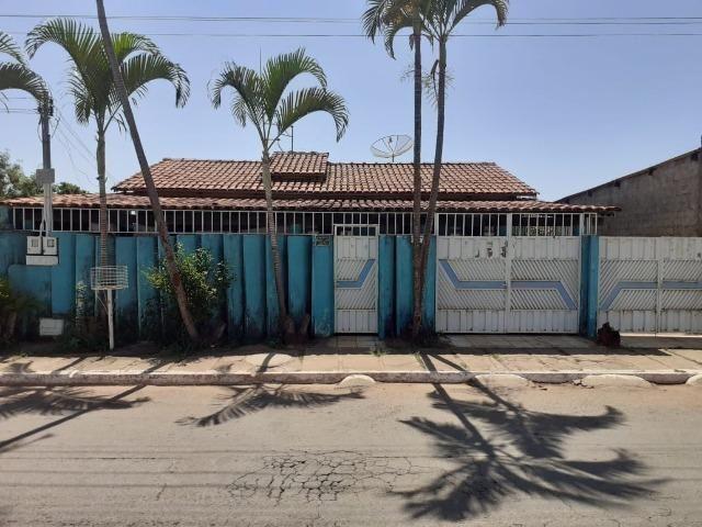 Vende-se casa no Centro de Aparecida de Goiânia