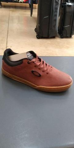 Sapatinhos da oakley        - Roupas e calçados - Ceilândia Norte ... 268ec18fc76