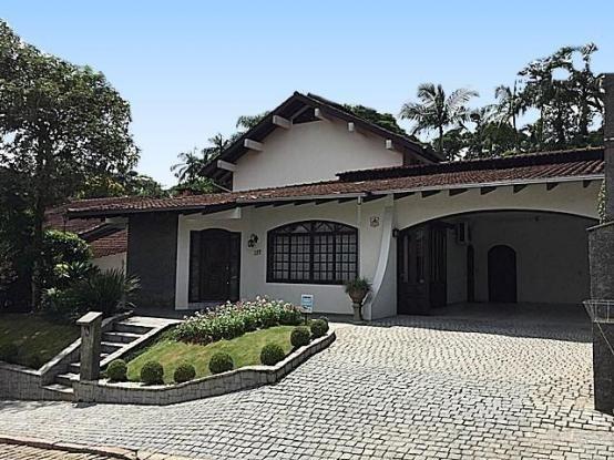 Casa à venda com 4 dormitórios em América, Joinville cod:10186