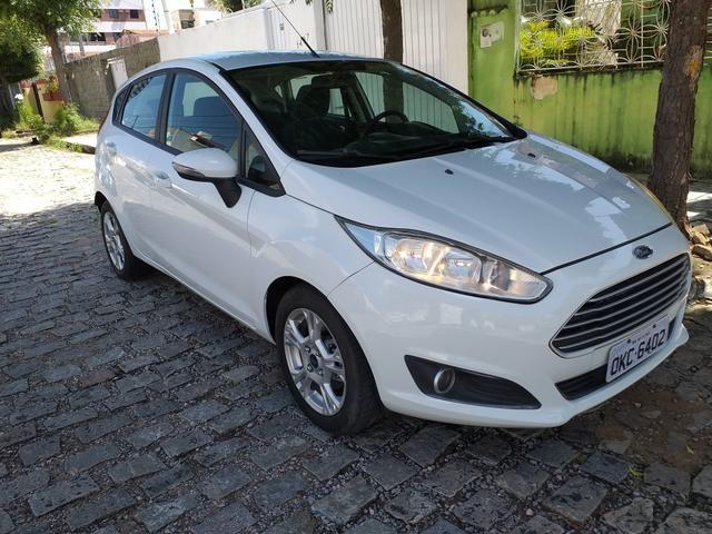 New Fiesta lindo Troco e Financio