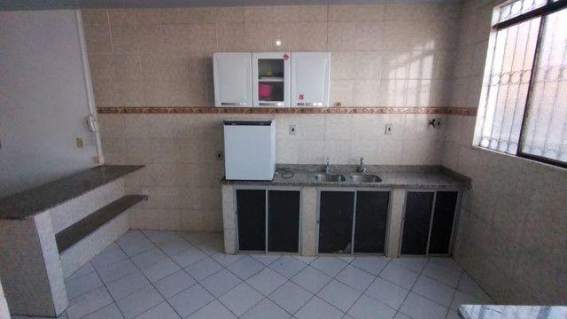 Aluga-se apartamento semi mobíliado - Foto 4