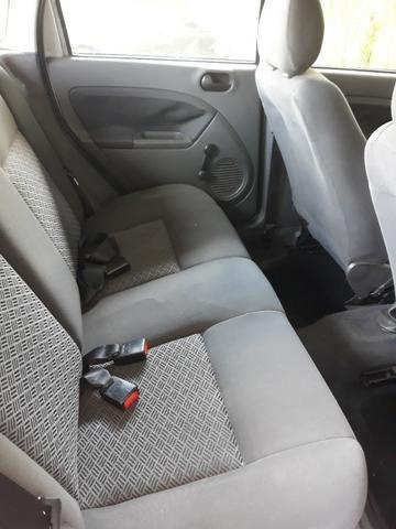 Ford Fiesta Sedan -2006 - otimo - Foto 12