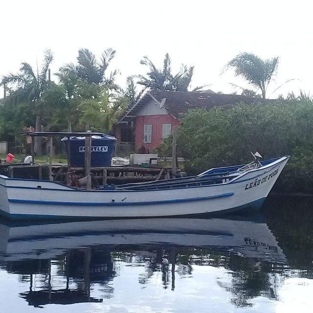 Barco de pesca camarao