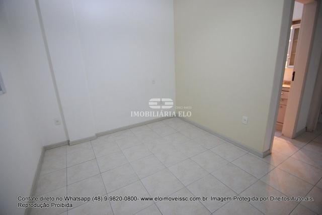 Apartamento no Bairro Estreito com 02 vagas - Foto 5