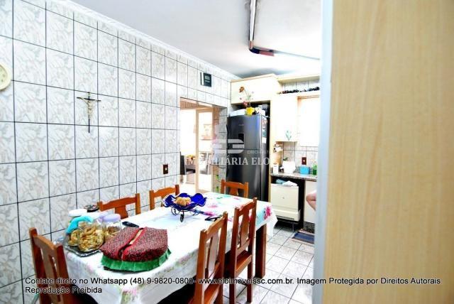Casa no bairro Balneário, Florianópolis de 04 dormitórios com suíte - Foto 9