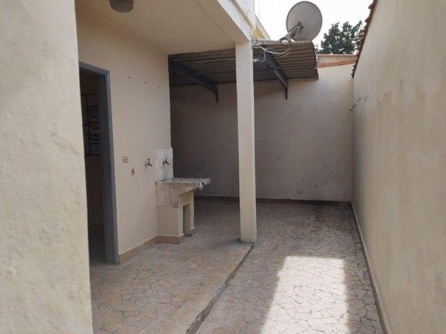 Casa em São Bernardo , 3 dormitórios ,2 banheiros, 2 vagas de garagem. - Foto 5