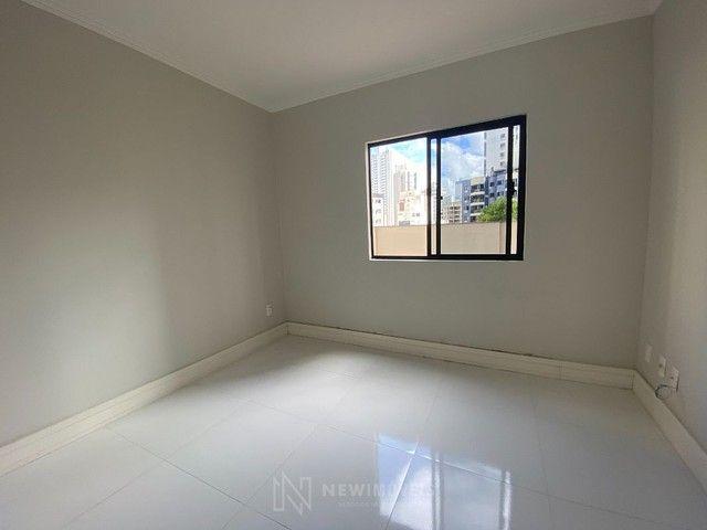 Apartamento Diferenciado com 4 Dormitórios em rua reta ao mar em Balneário Camboriú - Foto 9
