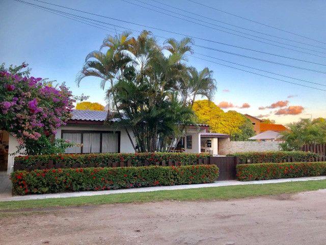 RBA Vendo casa na Praia de Serrambi, cond, fechado, terreno 15x30, 6 suítes, lazer!