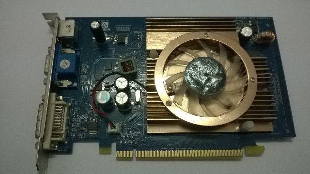 Placa Nvidia 8500GT 256MB / 128bit DDR2 PCI-E ( Defeito)