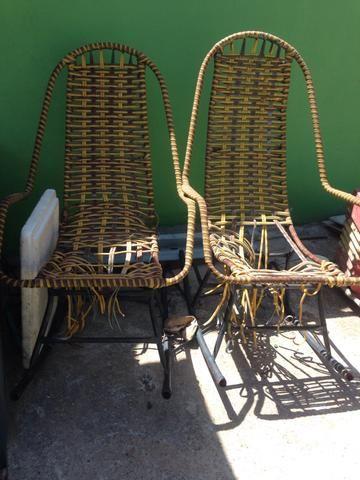 Vende-se 3 cadeiras de macarrão