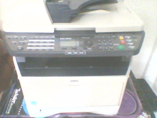 Empressora multinacional km 28 20 faz copia ,escaner, fax ,etc