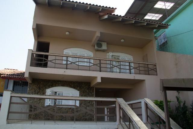 Casa mobiliada com piscina com 3+ quartos com vista privilegiada da cidade