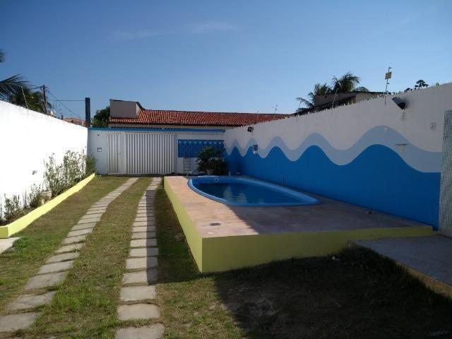 Casa com piscina a 100m da praia de guaibim