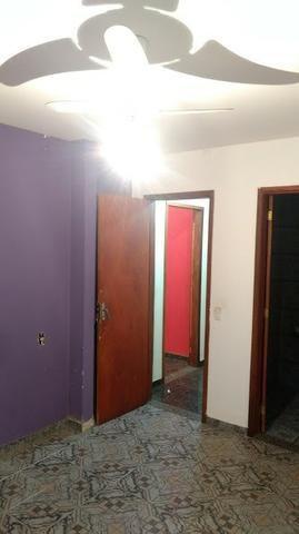 Casa de condomínio com 02 quartos,com piscina - Vista Alegre - SG - Foto 6